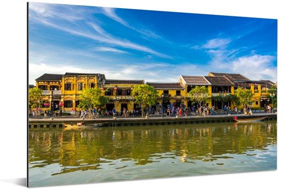 Oude stad Hanoi in Vietnam bij Thu Bon-rivier Aluminium 120x80 cm - Foto print op Aluminium (metaal wanddecoratie)