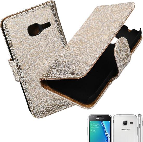 MP Case Lace - bloem design wit PU leder cover voor Samsung Galaxy J1 mini 2016 Booktype - Telefoonhoesje - smartphonehoesje - beschermhoes. in Doische