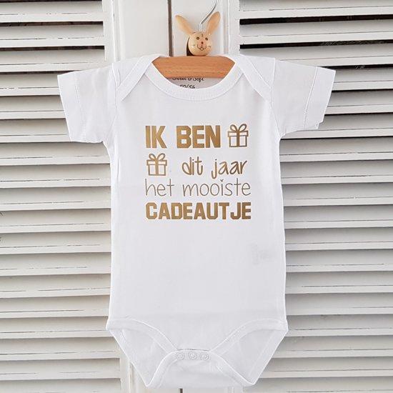 Baby Rompertje Met Tekst Zwangerschap Aankondiging Announcement Ik Ben Dit Jaar Het Mooiste Cadeautje Korte Mouw Wit Goud Maat 7480 Cadeau