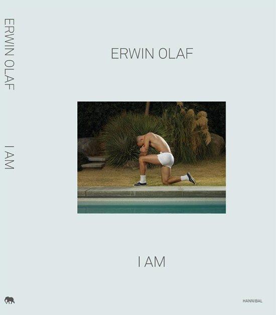 Boek cover I am van Erwin Olaf (Hardcover)