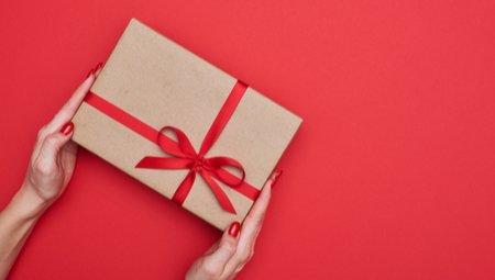 Een boek cadeau geven for Cadeau voor iemand die alles heeft