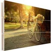 Bloemen in de fietsmand van de fiets Vurenhout met planken 30x20 cm - klein - Foto print op Hout (Wanddecoratie)