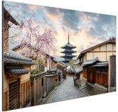 Sannen Zaka Street in Japan Azie Aluminium 180x120 cm - Foto print op Aluminium (metaal wanddecoratie) XXL / Groot formaat!