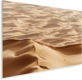Caravan tussen de Marokkaanse zandduinen in de woestijn bij Erg Chebbi Plexiglas 120x80 cm - Foto print op Glas (Plexiglas wanddecoratie)