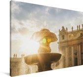 Zonnestralen langs de fontein op het Sint Pietersplein Canvas 30x20 cm - klein - Foto print op Canvas schilderij (Wanddecoratie woonkamer / slaapkamer)