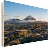 Uitzicht over het Nationaal park Tongariro in Oceanië Vurenhout met planken 120x80 cm - Foto print op Hout (Wanddecoratie)
