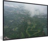 Foto in lijst - Luchtfoto van Poona in Azië fotolijst zwart 60x40 cm - Poster in lijst (Wanddecoratie woonkamer / slaapkamer)