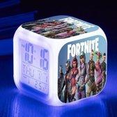 Fortnite Battle Royale Karakters Alarm - Wekker met 7 kleuren LED - Tempratuur Weergave - Kalender - Nachtlampje Led - Digitaal - Klok