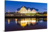 Nachtelijke foto van Gateshead aan de rivier de Tyne in Newcastle-Upon-Tyne Aluminium 120x80 cm - Foto print op Aluminium (metaal wanddecoratie)