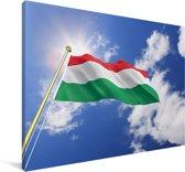 Vlag van Hongarije op een zonnige dag Canvas 120x80 cm - Foto print op Canvas schilderij (Wanddecoratie woonkamer / slaapkamer)