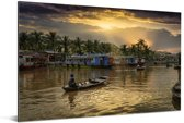 Boot in de Thu Bon-rivier bij Hoi An in Vietnam Aluminium 120x80 cm - Foto print op Aluminium (metaal wanddecoratie)