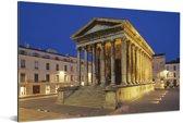 Romeinse tempel in het centrum van de Franse stad Nîmes Aluminium 90x60 cm - Foto print op Aluminium (metaal wanddecoratie)