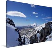Zicht op vulkaan in het Nationaal park Tongariro in Nieuw-Zeeland Canvas 140x90 cm - Foto print op Canvas schilderij (Wanddecoratie woonkamer / slaapkamer)