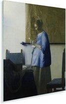 Brieflezende vrouw in het blauw - Schilderij van Johannes Vermeer Plexiglas 120x160 cm - Foto print op Glas (Plexiglas wanddecoratie) XXL / Groot formaat!