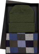 Heren cadeaubox: Michaelis geblokte sjaal met olijfgroen - grijs en blauw en muts in cadeauverpakking
