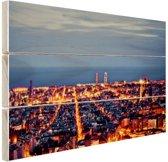 Barcelona skyline in de avond Hout 120x80 cm - Foto print op Hout (Wanddecoratie)