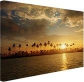Palmbomen bij zonsondergang Canvas 180x120 cm - Foto print op Canvas schilderij (Wanddecoratie woonkamer / slaapkamer) XXL / Groot formaat!