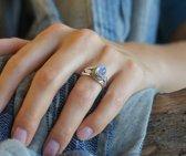 Zilveren ring met witte Maansteen