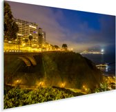 Mooie gele verlichting tijdens de avond in Lima Plexiglas 90x60 cm - Foto print op Glas (Plexiglas wanddecoratie)