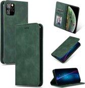Mobigear Magnetic Retro Luxe Wallet Hoesje Groen iPhone 11 Pro
