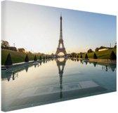 Eiffeltoren bij dag Parijs Canvas 120x80 cm - Foto print op Canvas schilderij (Wanddecoratie)