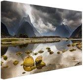 Milford Sound Nieuw-Zeeland Canvas 30x20 cm - Foto print op Canvas schilderij (Wanddecoratie woonkamer / slaapkamer) / Zee en Strand