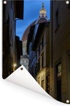 Donker straatje met op het einde de Dom van Florence van Italië Tuinposter 80x120 cm - Tuindoek / Buitencanvas / Schilderijen voor buiten (tuin decoratie)