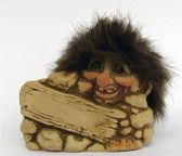 NyForm Trollen: Troll Behind Rock, Hoogte 7,5cm