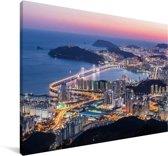 Uitzicht over een verlicht Busan in Zuid-Korea Canvas 60x40 cm - Foto print op Canvas schilderij (Wanddecoratie woonkamer / slaapkamer) / Aziatische steden Canvas Schilderijen
