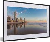 Foto in lijst - De Gold Coast bij zonsopgang met een blauwe hemel in Australië fotolijst zwart met witte passe-partout 60x40 cm - Poster in lijst (Wanddecoratie woonkamer / slaapkamer)