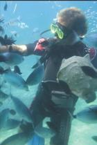 Scuba Diving Log: Divers Log with prompted pages to record 120 dives.