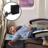 Vliegtuigbedje inclusief ooglapje en oordopjes -  Met nieuwste opblaas techniek - Voetkussen - Voetenkussen - Voetensteun - Luchtkussen - Vliegtuig comfort - Reiskussen - Kinder vliegbedje - KLM -