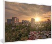 Foto in lijst - Zonnestralen schijnen over Mexico-stad fotolijst wit 60x40 cm - Poster in lijst (Wanddecoratie woonkamer / slaapkamer)