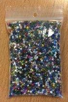 500 gr kralen mix rocailles mix div maten. 1 a 2 mm.