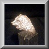 Stoere zilveren ring met een beer