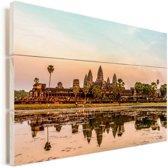 Angkor Wat in de zonsondergang met weerspiegeling van het water Vurenhout met planken 120x80 cm - Foto print op Hout (Wanddecoratie)