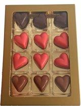 Overheerlijke Valentijn hartjes chocolade assorti - 12 stuks