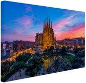 Sagrada Familia in avondlicht Canvas 30x20 cm - klein - Foto print op Canvas schilderij (Wanddecoratie woonkamer / slaapkamer) / Steden Canvas Schilderijen