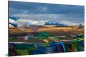 Gebedsvlaggen voor de Tibetaanse Kailash-berg dichtbij China Aluminium 180x120 cm - Foto print op Aluminium (metaal wanddecoratie) XXL / Groot formaat!