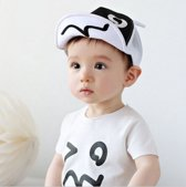 Baby petje of dreumes petje | wit/zwart| 40-47CM | 4-16M