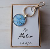 """Vergeet-mij-nietjes sleutelhanger"""" Mijn meter is de liefste """" uniek mooie cadeaubox, geschenk voor de liefste meter"""
