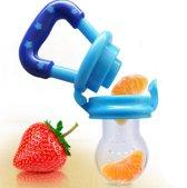 Kindervoedingfeeder en fopspeen waarmee u de vloeistof uit voedsel naar uw baby kunt voeren. Blauw, 0-3 maanden Maat S