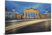 De Brandenburger Tor in Duitsland met een blauwe hemel Aluminium 90x60 cm - Foto print op Aluminium (metaal wanddecoratie)