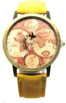 Horloge met wereldkaart en vliegtuig geel vintage