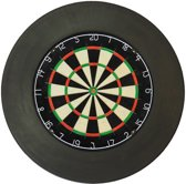 dartbord plain met zwarte surround en scorebord