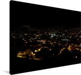 Nacht boven de verlichtte stad Quito in Ecuador Canvas 180x120 cm - Foto print op Canvas schilderij (Wanddecoratie woonkamer / slaapkamer) XXL / Groot formaat!