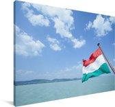 De vlag van Hongarije boven de zee Canvas 60x40 cm - Foto print op Canvas schilderij (Wanddecoratie woonkamer / slaapkamer)