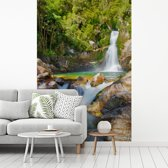 Fotobehang vinyl - Waterval in het Nationaal park van Abel Tasman breedte 190 cm x hoogte 280 cm - Foto print op behang (in 7 formaten beschikbaar)