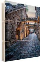 Fantastische authentieke straat in het Stadshart van Tallinn Vurenhout met planken 60x90 cm - Foto print op Hout (Wanddecoratie)