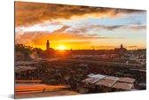 Zonsondergang boven Djemaa El Fna in Marokko Aluminium 90x60 cm - Foto print op Aluminium (metaal wanddecoratie)
